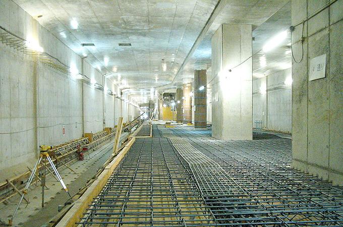 大阪市営地下鉄8号線井高野停留所及び地下線路工事